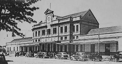 A moderna estação da Capital do Paraná nos anos 30.